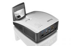 BenQ MX854UST Ultra Short-throw